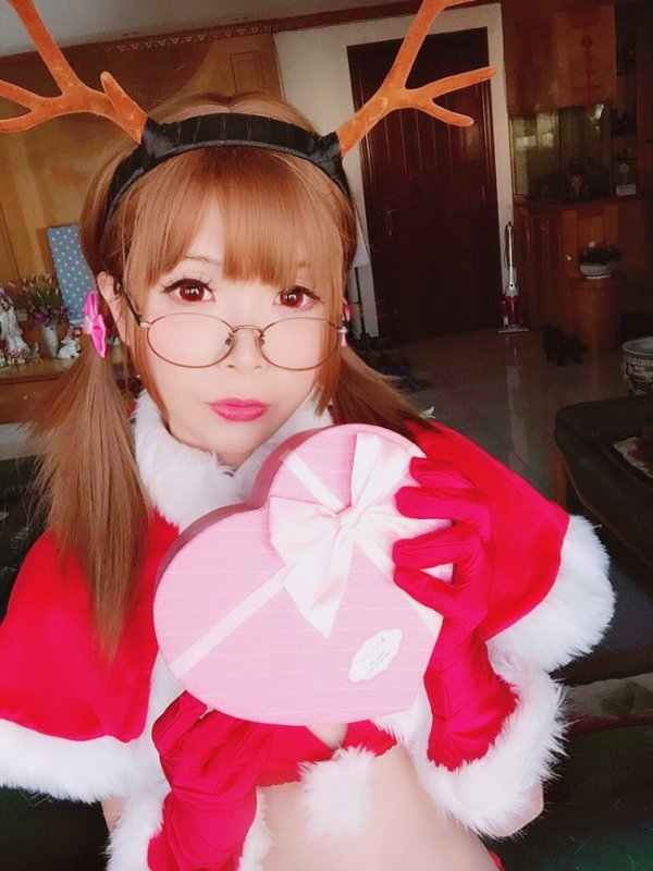 Christmas Cosplay by Crome Moe