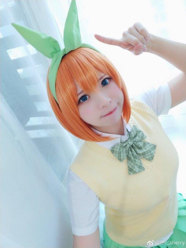 Go-Toubun_no_Hanayome Cosplay by sherry