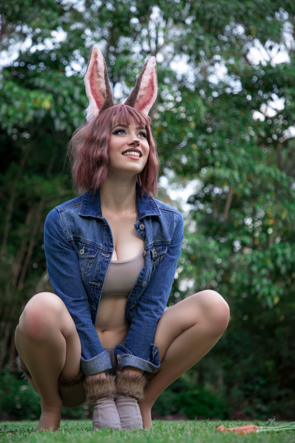 Peter Rabbit Cosplay by Nichameleon