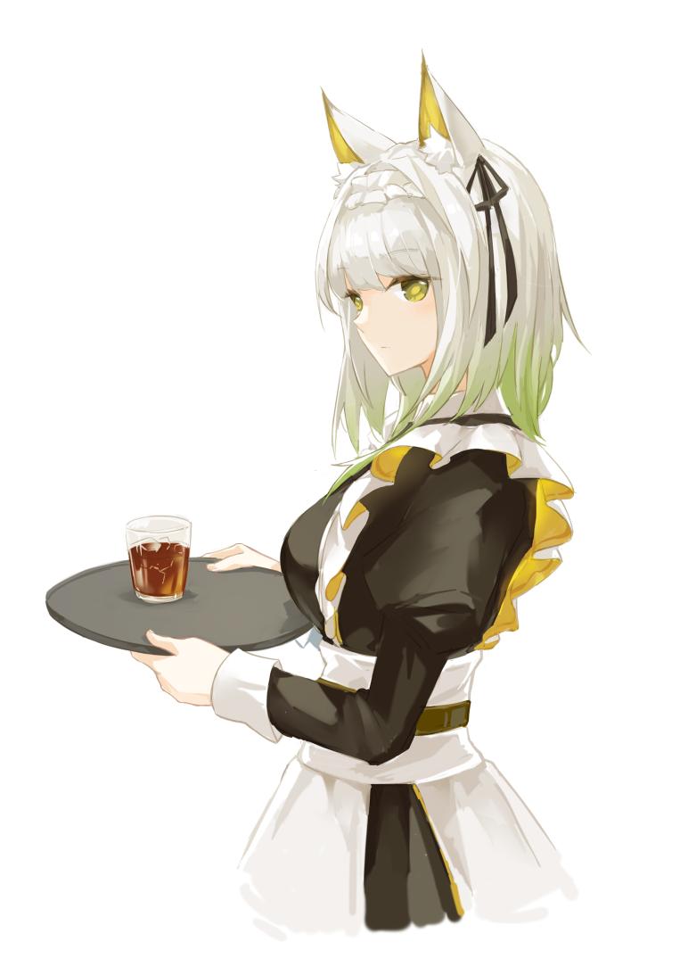 Горничная и выпивка
