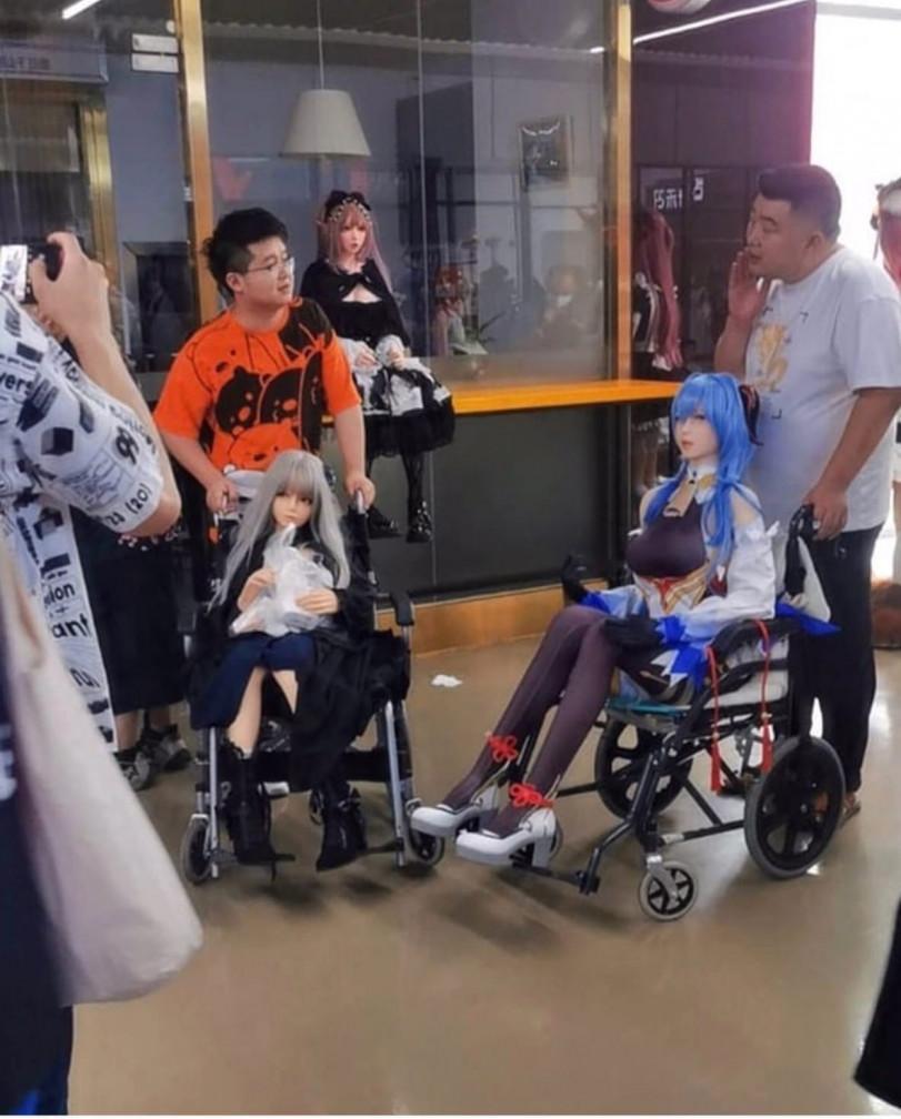Собрание анонимных любителей кукол